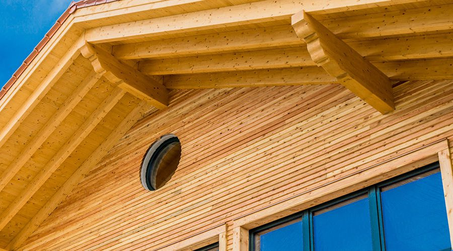 Schöne Holzfassade
