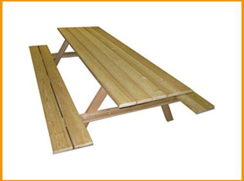 Rustikale Sitzmöbel aus Lärchenholz